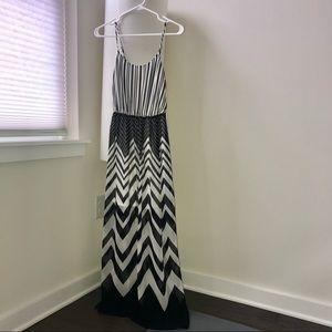Candie's Maxi Dress